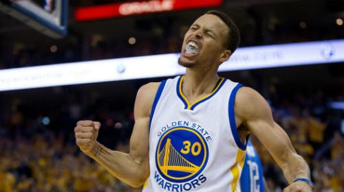 Warriors thua liểng xiểng trong loạt trận chuẩn bị cho mùa giải, nhưng phô diễn bộ mặt hoàn toàn khác khi bước vào mùa chính. Ảnh: Eurosport.