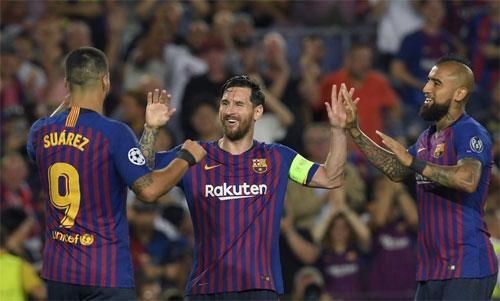 Messi chính thức đeo băng thủ quân Barca từ mùa 2018-2019. Ảnh: Reuters
