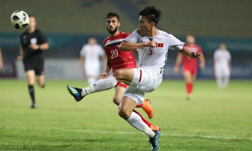 Văn Hậu mới 19 tuổi nhưng đã là trụ cột ở cả đU23 Việt Nam và tuyển quốc gia.