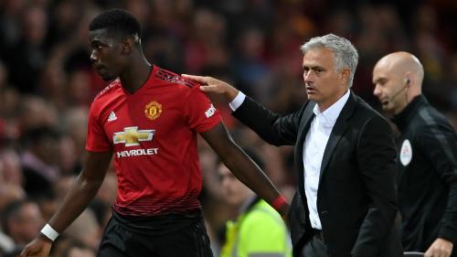 Man Utd gây chú ý với những vấn đề nội bộ giữa Mourinho và Pogba thay vì chất lượng chuyên môn. Ảnh:AP.