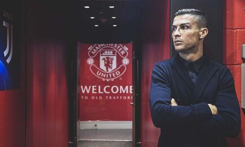 Ronaldo xúc động khi trở lại Old Trafford