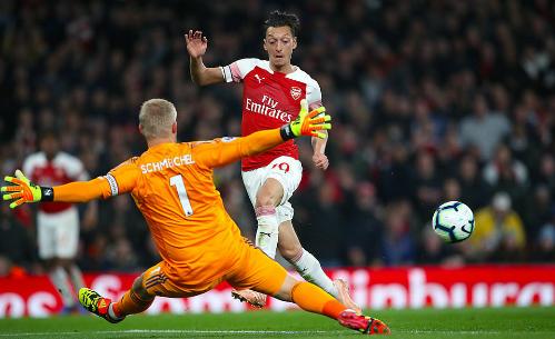 Ozil đã có một trong những trận đấu hay nhất của anh trong màu áo Arsenal. Ảnh: EMPIC Sports.