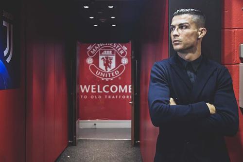 Ronaldo trở lại sân Old Trafford sau nhiều năm.