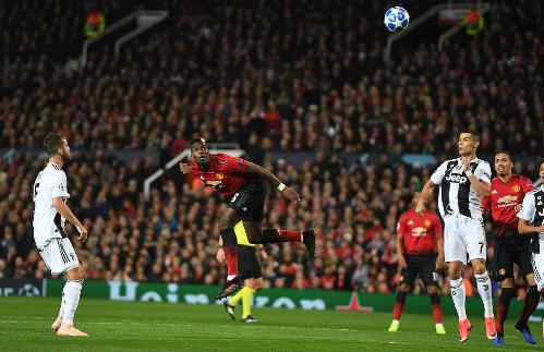 Pogba chơi nỗ lực nhưng không đủ hiệu quả trước Juventus. Ảnh:DM.