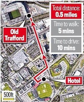 Khách sạn mới của Man Utd chỉ tốn năm phút đi bộ và 10 phút đi xe vào giờ thấp điểm để tới sân Old Trafford. Tuy nhiên, cầu thủ Man Utd phải mất hơn một tiếng đồng hồ để đi xe vào giờ cao điểm.