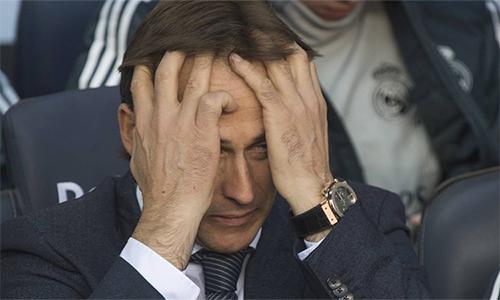 Chỉ trong vòng bốn tháng, Lopetegui hai lần bị sa thải ở hai vị trí mà ông hằng mong ước. Hồi tháng Sáu, ôngnày mất chức HLV trưởng tuyển Tây Ban Nha ngay trước thềm World Cup.