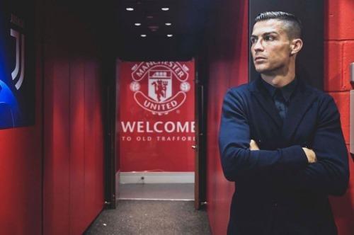 Bức ảnh Ronaldo quay lại Old Trafford được 8,8 triệu lượt thích trên Instagram. Ảnh:Instagram Ronaldo.
