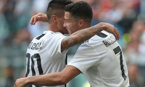 """Cancelo: """"El Clasico là bằng chứng về tầm vóc của Ronaldo"""""""