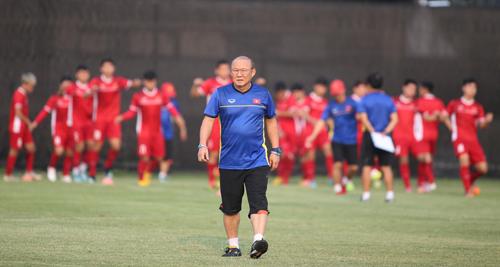 HLV Park Hang-seo cho biết mục tiêu đầu tiên của ông là đứng đầu bảng A tại AFF Cup 2018. Ảnh: Lâm Thỏa