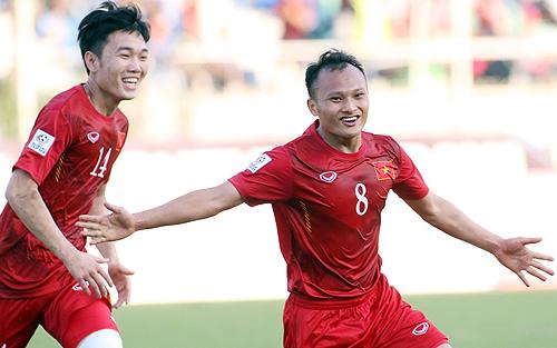 Trọng Hoàng khoác áo đội tuyển từ năm 2009, đã ra sân đá 49 trận.