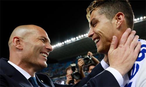 Sự ra đi của Zidane và Ronaldo khiến Real suy yếu. Ảnh: Reuters