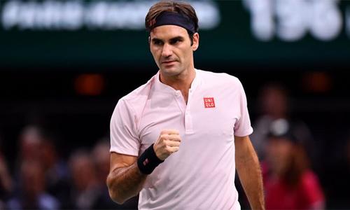 Federer thắng trận đầu tiên tại Paris Masters sau ba năm