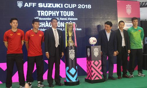 Bùi Tiến Dũng, Hà Đức Chinh quyết tâm tại lễ xuất quân AFF Suzuki Cup - 1