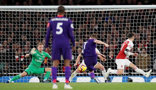 Milner đá bồi mở tỷ số cho Liverpool. Ảnh:Reuters.