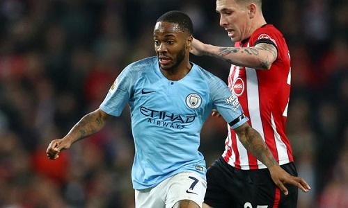 Sterling tỏa sáng trong chiến thắng đậm của Man City. Ảnh: AFP.