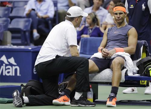 Nadal rút lui kh?i ATP Finals, d?p tan nh?ng hoài nghi cho r?ng anh c? tình b? Paris Masters ?? t?p trung cho gi?i ??u cu?i n?m. ?nh: AP.