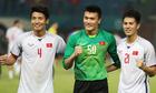 Tuyển Việt Nam mặc trang phục trắng ở trận đấu với Lào