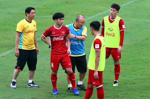 Công Phượng liên tục được HLV Park Hang-seo cho đá chính từ đội U23, Olympic tới đội tuyển. Ảnh: Quang Minh
