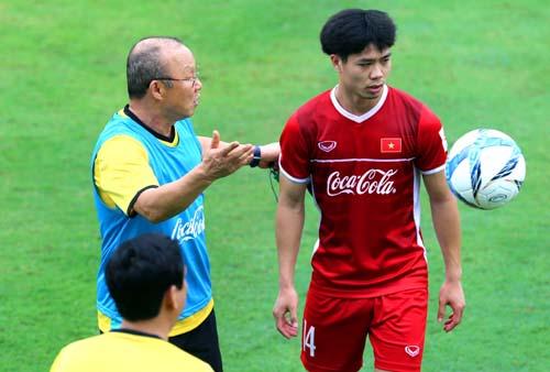 HLV Park Hang-seo muốn thông qua chuyến tập huấn tại Hàn Quốc để tăng tính kết dính trong đội.