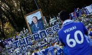 Biển người tham gia lễ tưởng niệm cố Chủ tịch của Leicester