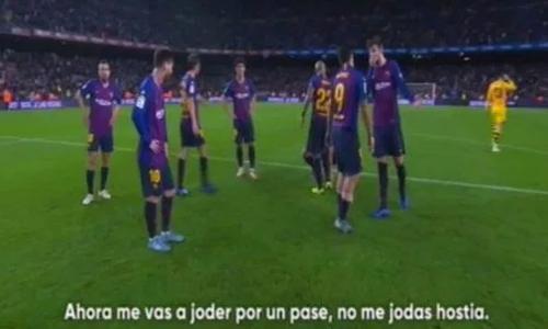 Suarez và Pique có vẻ đã cãi nhau sau trận thua của Barca. Ảnh: Movistar+.