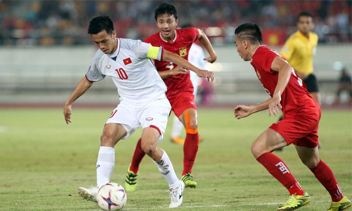 Văn Quyết thi đấu không trọn vẹn trong trận thắng Lào 3-0 ở trận ra quân 8/11. Ảnh: Lâm Thỏa.