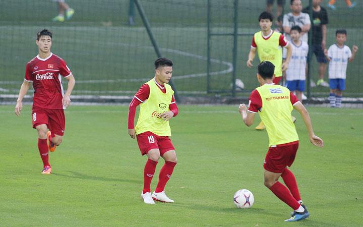 HLV Park Hang-seo muốn các học trò không bị phân tâm trong việc chuẩn bị cho trận đấu với Malaysia vào ngày 16/11.