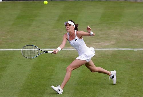 Radwanska được biết đến là tay vợt có lối đánh thông minh, bền bỉ với khả năng di chuyển tốt. Ảnh: AP.