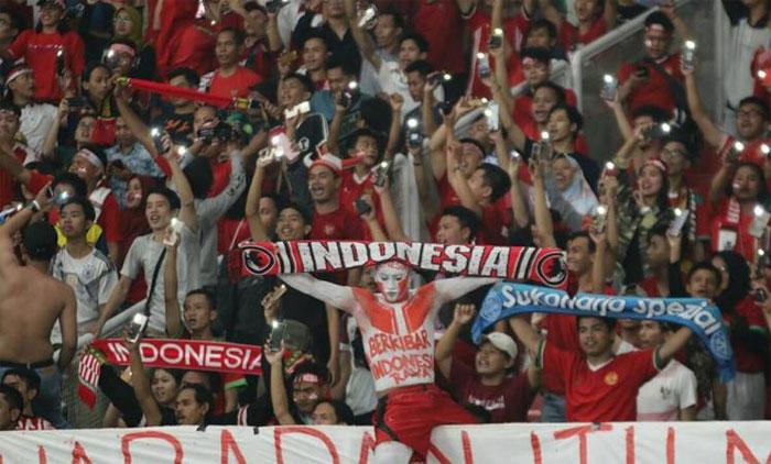 CĐV Indonesia có tiếng về sự cuồng nhiệt. Ảnh: DS