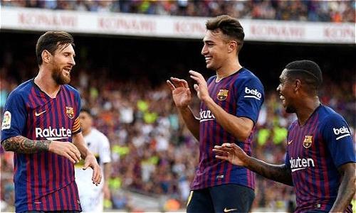 Messi (trái) là hình mẫu để Malcom (phải) noi theo. Ảnh: FCB.
