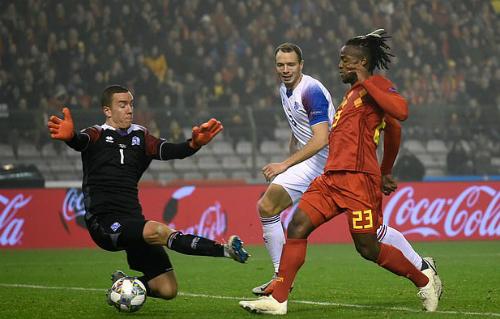 Batshuayi đã tận dụng tốt cơ hội được ra sân trận này. Ảnh: AFP.