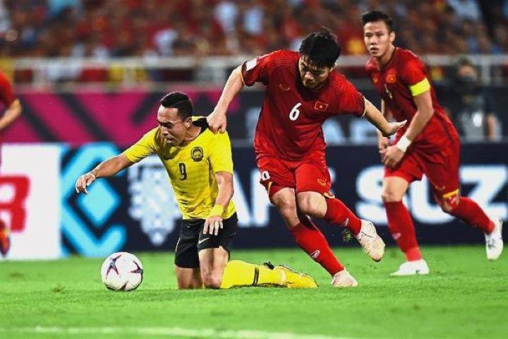 Chiến thắng 2-0 trước Malaysia giúp tuyển Việt Nam tiến gần hơn tới việc giành vé vào bán kết AFF Cup 2018. Ảnh: Đức Đồng.