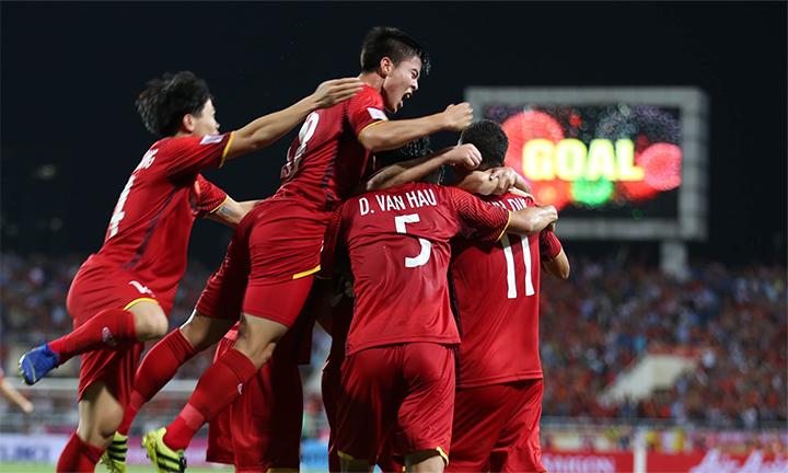 Việt Nam vừa gia tăng chuomlai bất bại lên 10 trận, sau khi hạ Malaysia 2-0 tại SVĐ Mỹ Đình. Ảnh: Đức Đồng.