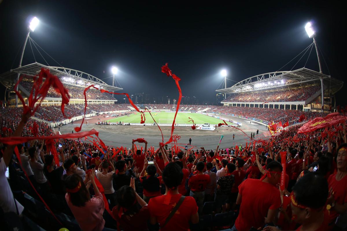 Sân Mỹ Đình vô địch về lượng khán giả từ đầu AFF Cup 2018