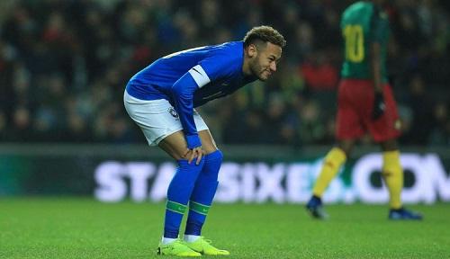 Neymar sớm phải rời sân do chấn thương. Ảnh: Reuters.