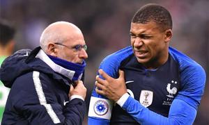 Mbappe chấn thương trong trận Pháp hạ Uruguay