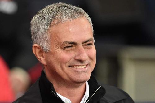 Mourinho lạc quan giữa thời điểm áp lực bủa vây. Ảnh: PA.