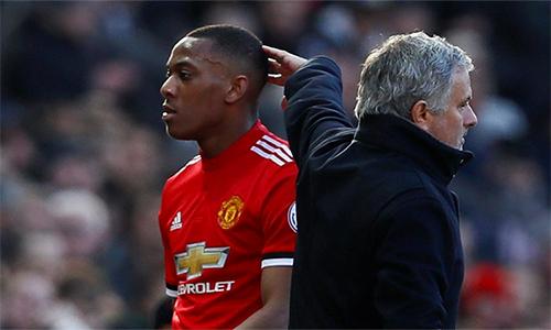 Mourinho từngkhenMartial, nhưng giờ bất ngờ chỉ trích chân sút người Pháp đang có phong độ cao. Ảnh: AP.