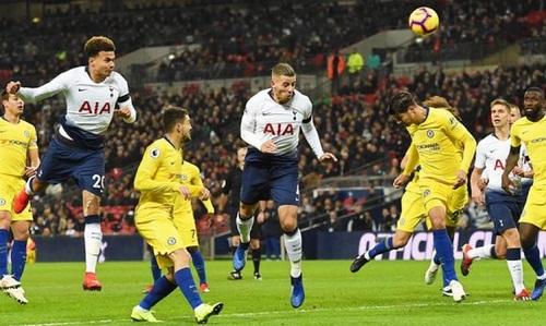 Alli ghi 6 bàn trong 6 trận gần nhất đối đầu Chelsea. Ảnh: EPA.