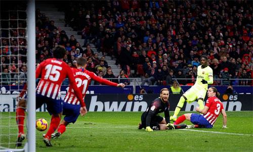Dembele giải cứu Barca.
