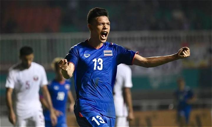 Supachai là phát hiện mới của Thái Lan ở AFF Cup, mặc áo số 13 của danh thủ Kiatisuk Senamuang. Ảnh: AFF.