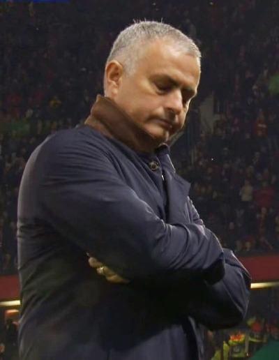 Thái độ của Mourinho sau tình huống bỏ lỡ của Rashford.