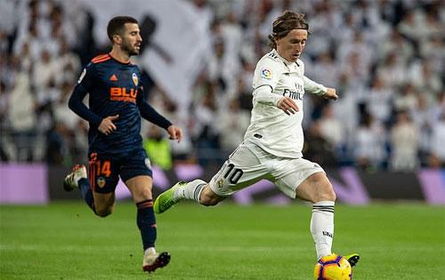 Modric và Real có chiến thắng chuẩn bị cho lễ trao Quả Bóng Vàng đầu tuần sau.