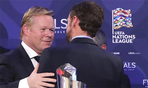 Đại diện các đội bóng đều tỏ ra hài lòng sau lễ bốc thăm bán kết Nations League. Ảnh: AP.