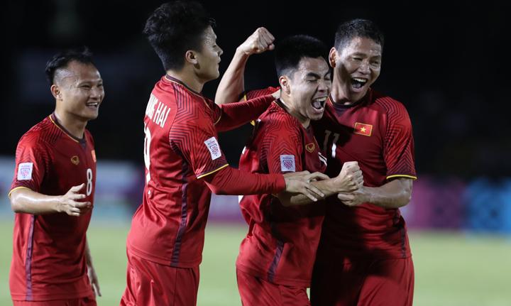 Việt Nam đang có lợi thế lớn với chiến thắng 2-1 trên sân khách. Ảnh: Đức Đồng.