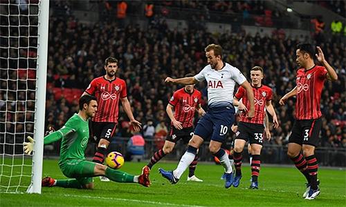Harry Kane tiếp tục chứng tỏ duyên ghi bàn vào lưới Southampton. Ảnh: DM.