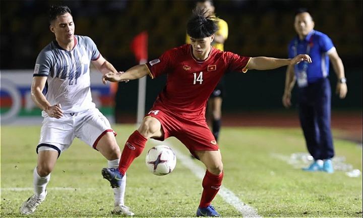Philippines (trái) còn nhiều nỗi lo trước trận lượt về tại Mỹ Đình. Ảnh: Đức Đồng.