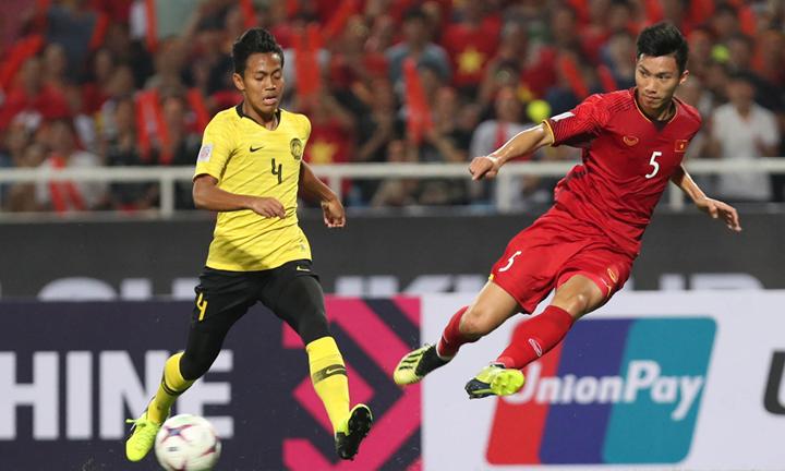 Hai đội tuyển vào chung kết AFF Cup 2018 - Việt Nam và Malaysia - đều nhận được sự kỳ vọng rất lớn từ công chúng quê nhà. Ảnh: Đức Đồng.