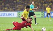 Đình Trọng và đồng đội tả xung hữu đột trước Malaysia