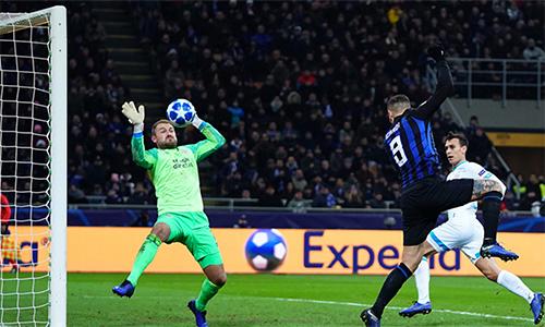 Icardi trở thành cầu thủ đầu tiên trong lịch sử Inter ghi bàn ở cả ba trận sân nhà tại vòng bảng Champions League. Ảnh: La Presse.